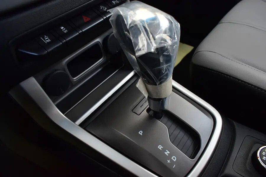 Nội thất Chevrolet Colorado - Hình 15