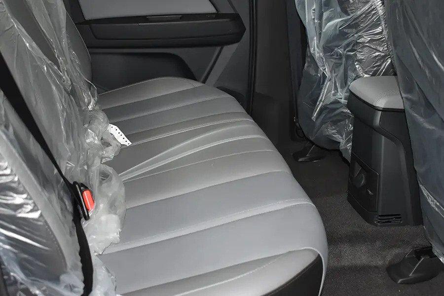 Nội thất Chevrolet Colorado - Hình 21