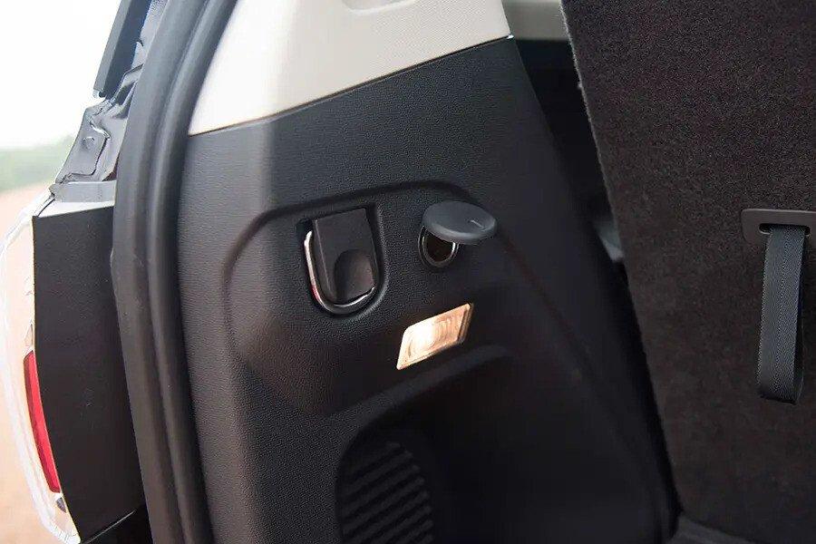 Nội thất Chevrolet Trailblazer - Hình 15