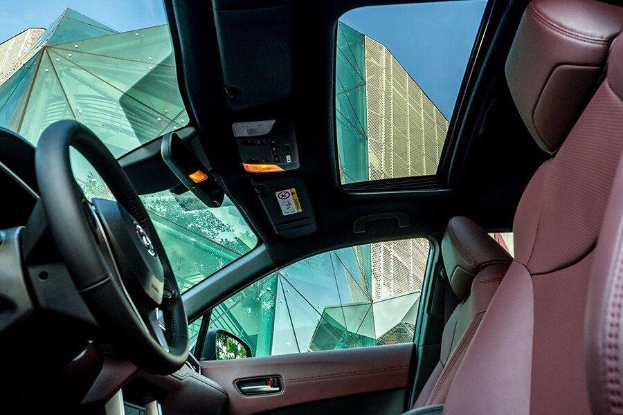 Corolla Cross 1.8HV - Hình 17