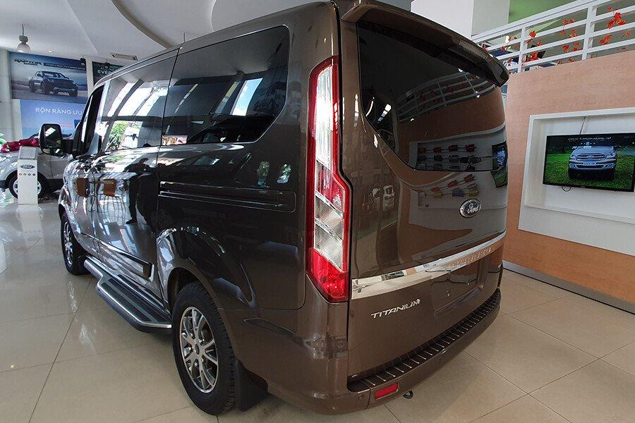 Ford Tourneo Titanium (Máy xăng) - Hình 13