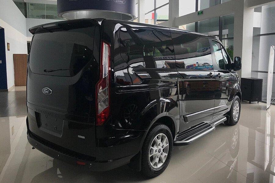 Ford Tourneo Trend (Máy xăng) - Hình 13