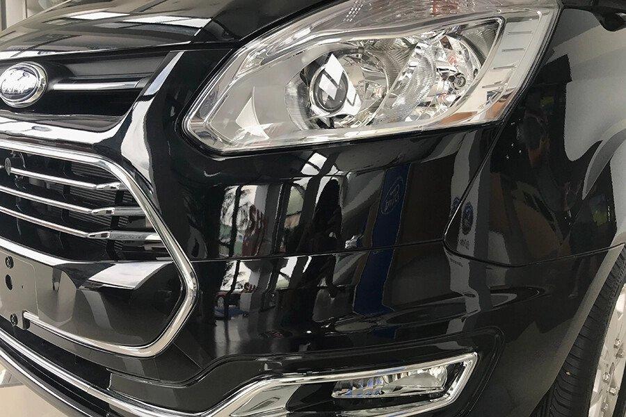 Ford Tourneo Trend (Máy xăng) - Hình 7