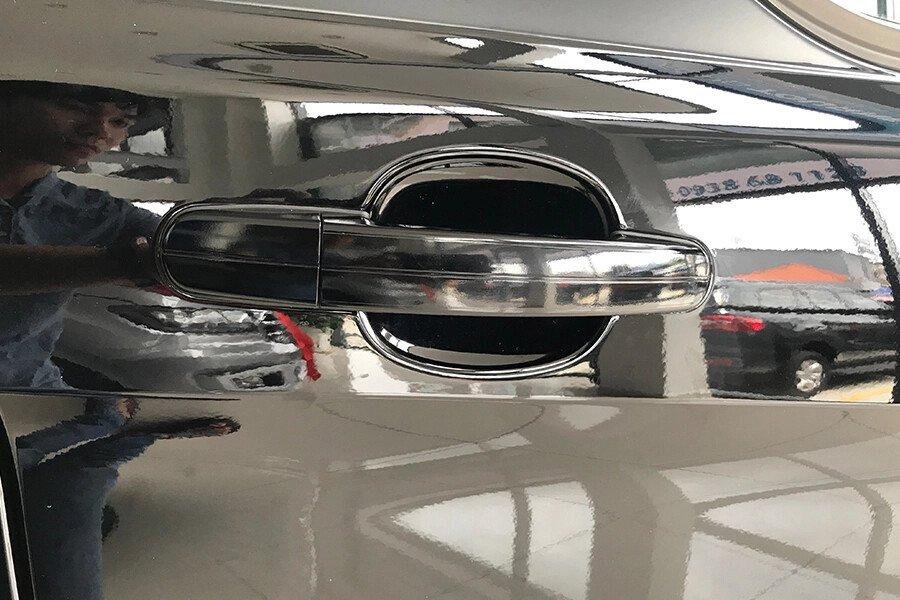 Ford Tourneo Trend (Máy xăng) - Hình 9