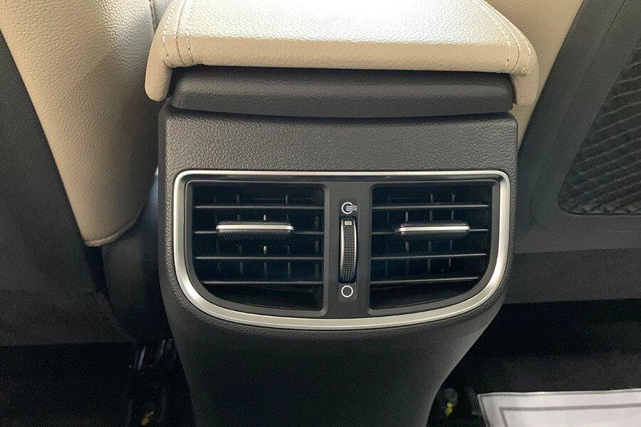 Hyundai Elantra 1.6 AT - Hình 22