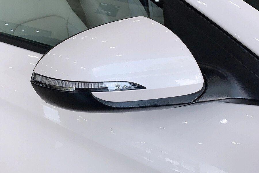 Hyundai Elantra 1.6 AT - Hình 8