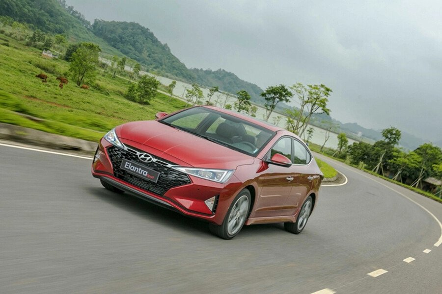 Hyundai Elantra Sport 1.6 T-GDI 2020 - Hình 2