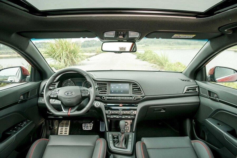 Hyundai Elantra Sport 1.6 T-GDI 2020 - Hình 35