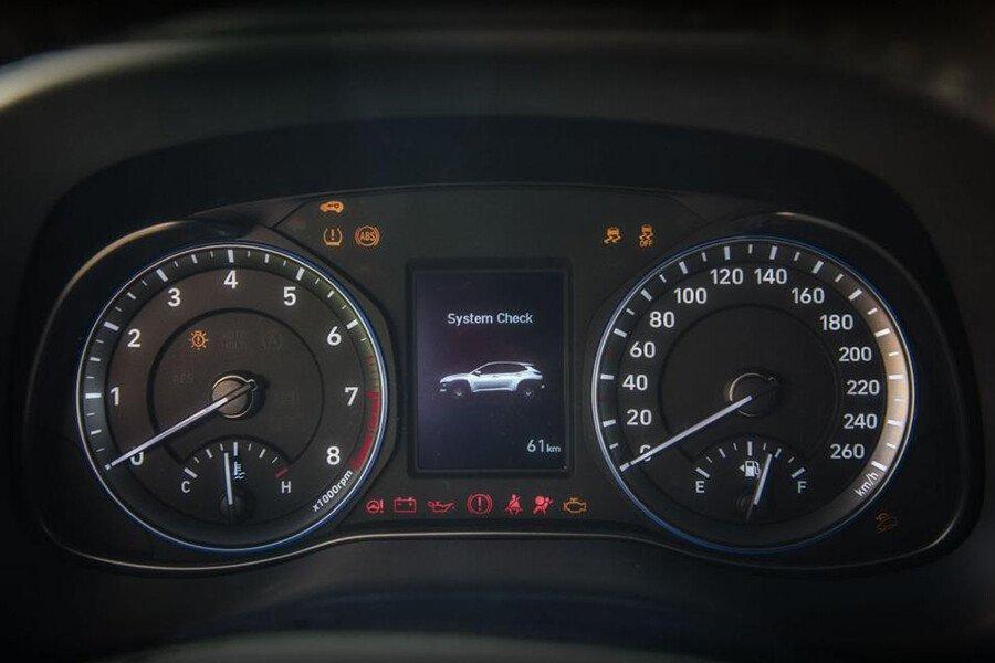 Hyundai Kona 2.0 AT Đặc Biệt - Hình 17