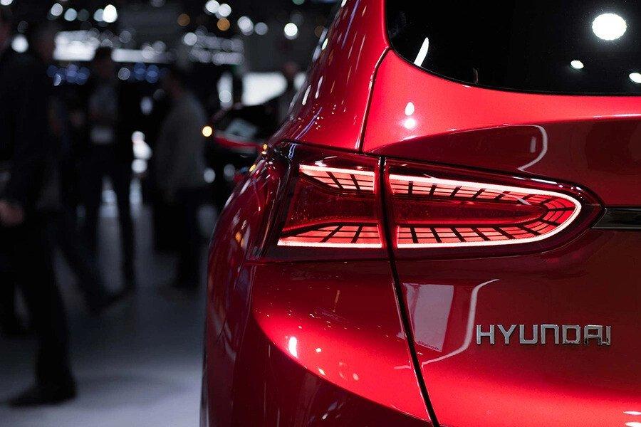 Hyundai Santa Fe 2.2 Dầu Cao Cấp - Hình 9