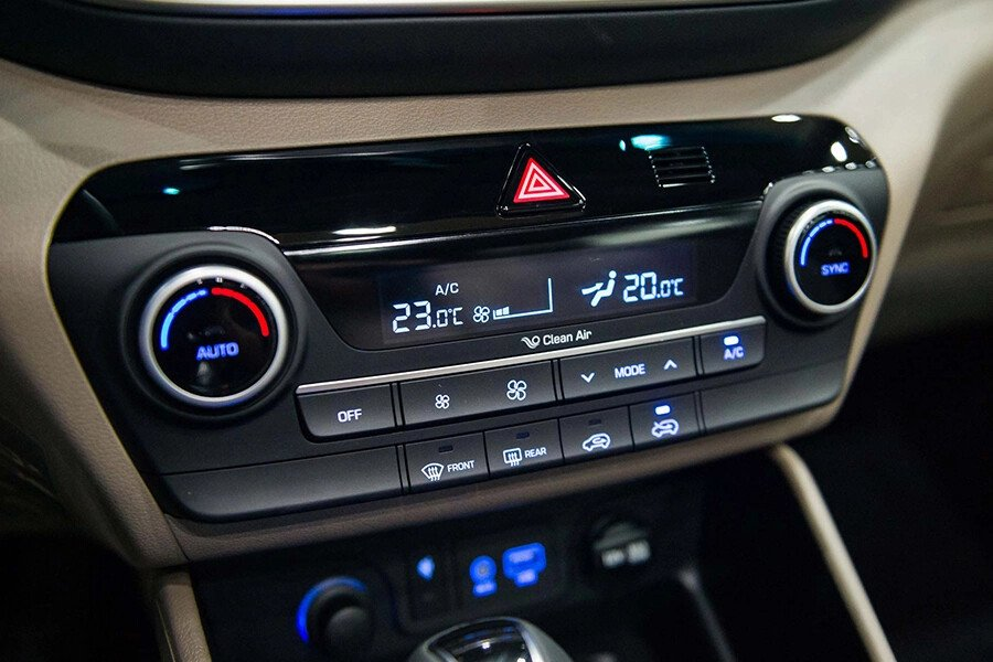Hyundai Tucson 2.0 Diesel 2019 - Hình 23