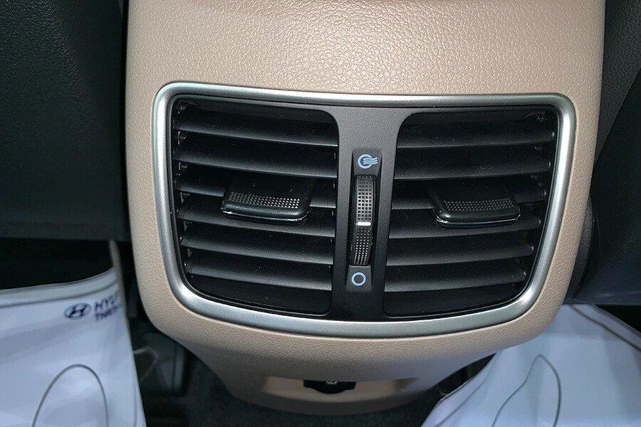 Hyundai Tucson 2.0 Tiêu Chuẩn 2020 - Hình 24