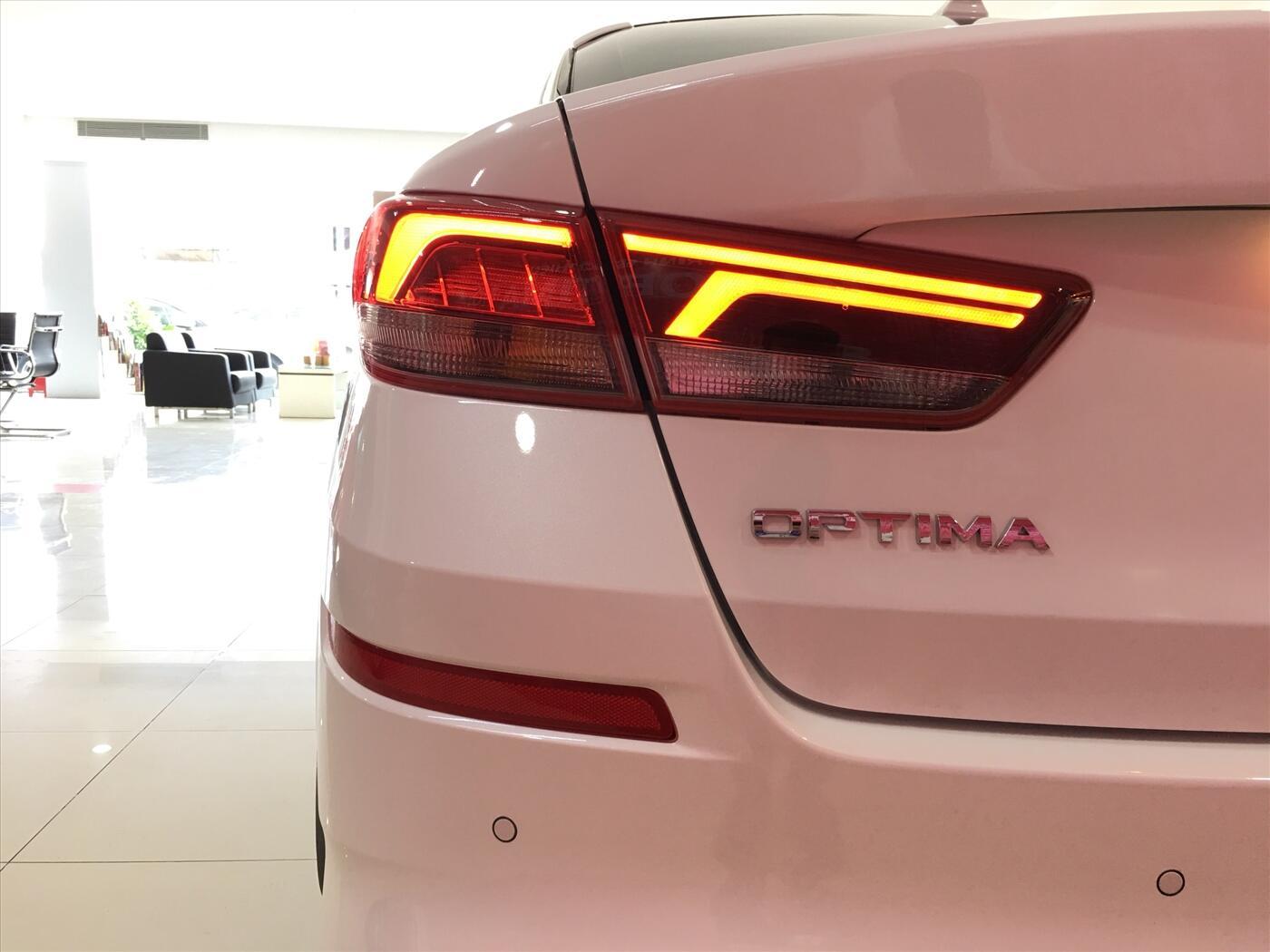 KIA Optima Premium - Hình 10