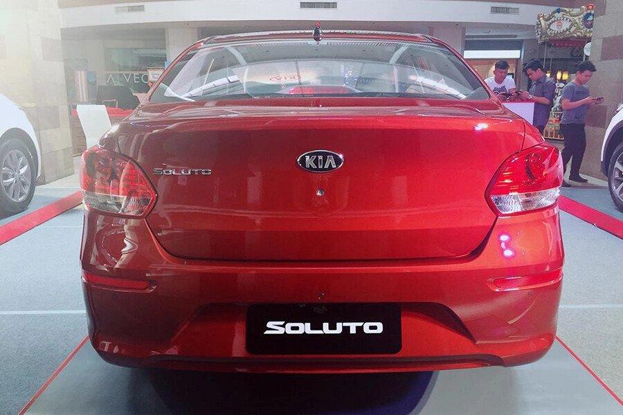 KIA Soluto MT Deluxe 1.4L - Hình 6