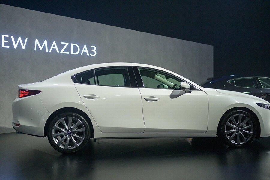 Mazda 3 Deluxe 2020 - Hình 7