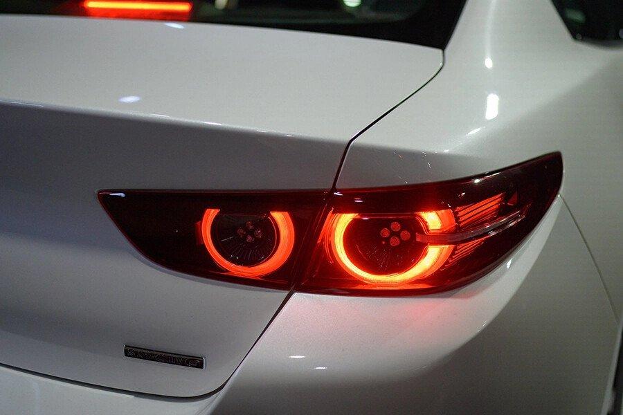 Mazda 3 Deluxe 2020 - Hình 8