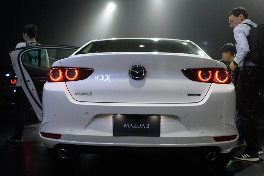 Mazda 3 Deluxe 2020 - Hình 9