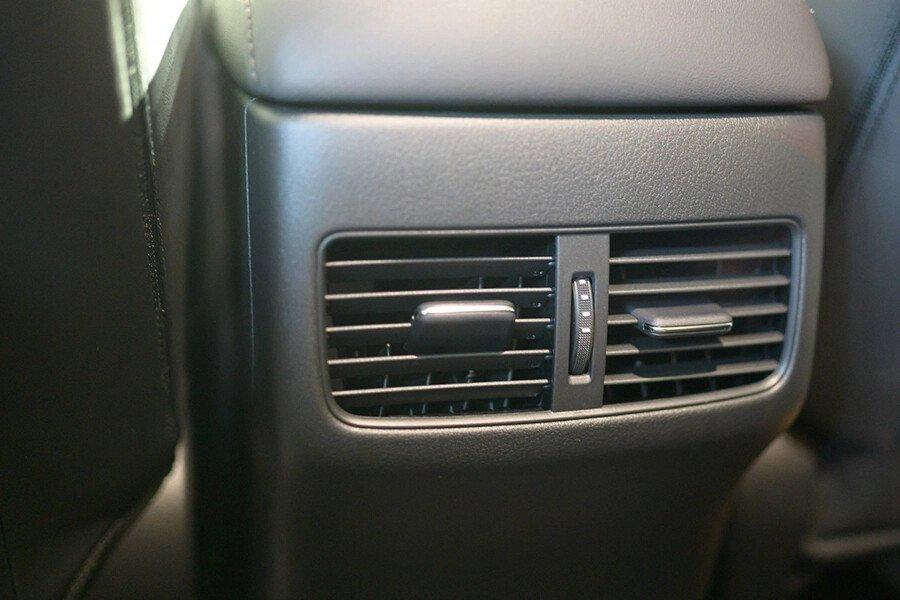 Mazda 3 Luxury 2020 - Hình 17