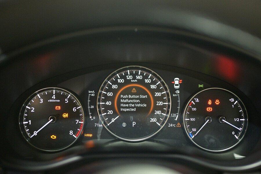 Mazda 3 Signature Luxury 2020 - Hình 13