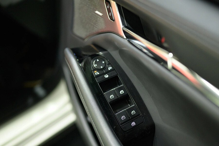 Mazda 3 Signature Premium 2020 - Hình 10