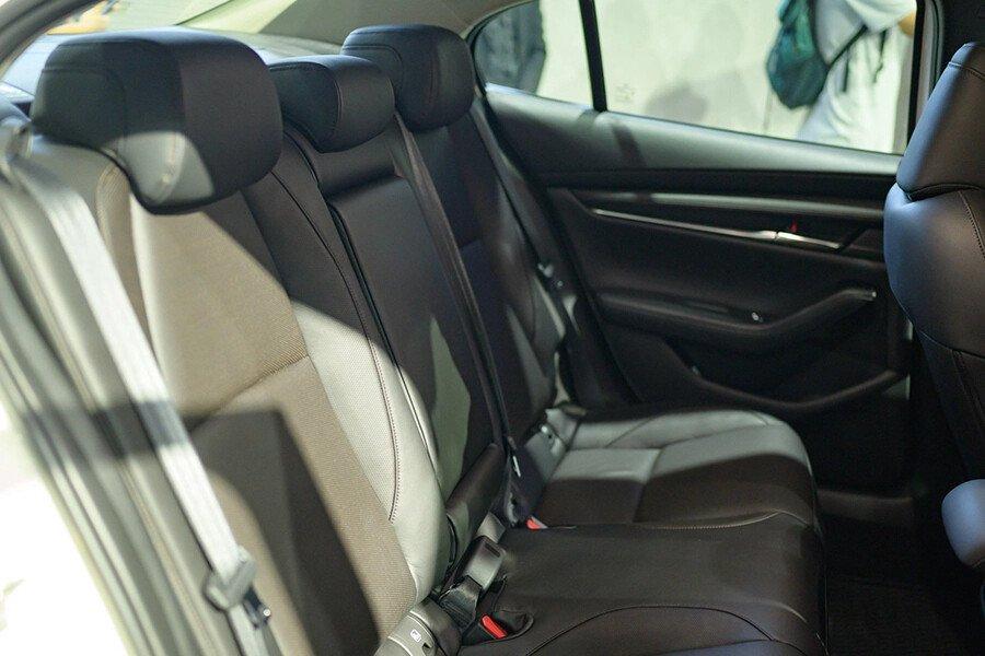 Mazda 3 Signature Premium 2020 - Hình 16