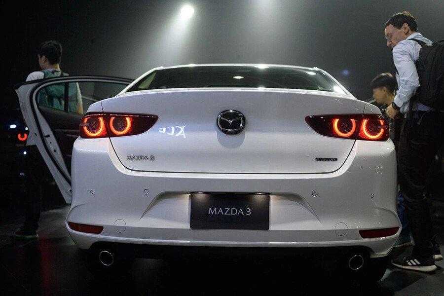 Mazda 3 Signature Premium 2020 - Hình 8