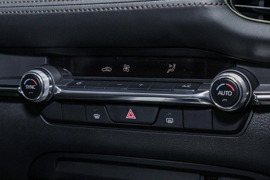 Mazda 3 Sport Deluxe 2020 - Hình 15