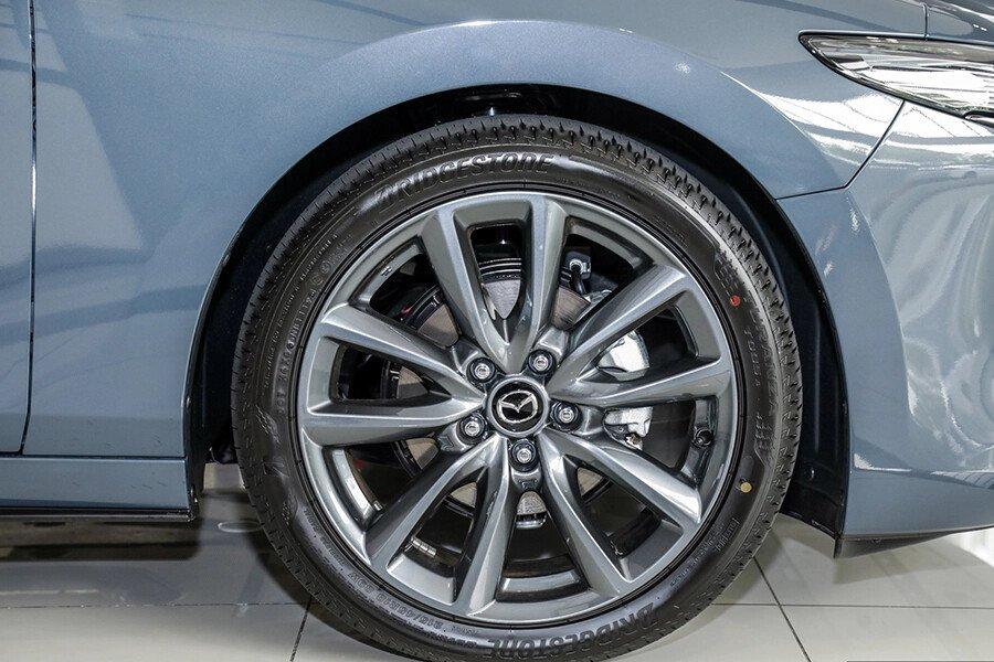 Mazda 3 Sport Deluxe 2020 - Hình 4