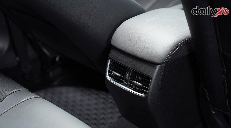 Mazda 6 2.5L Signature Premium 2020 - Hình 19