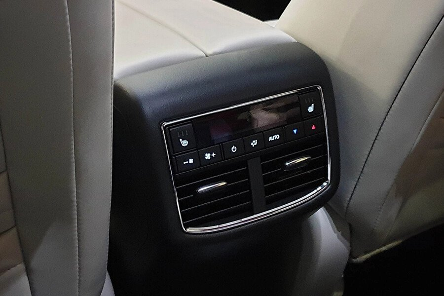 Mazda CX-8 2.5 Premium - Hình 17