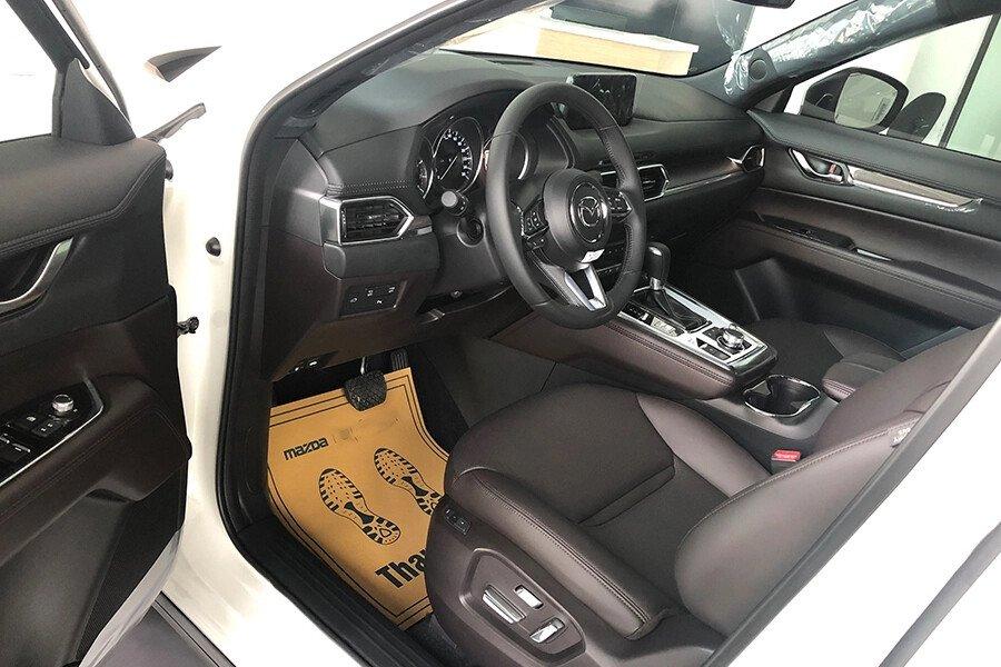 Mazda CX-8 Luxury - Hình 11
