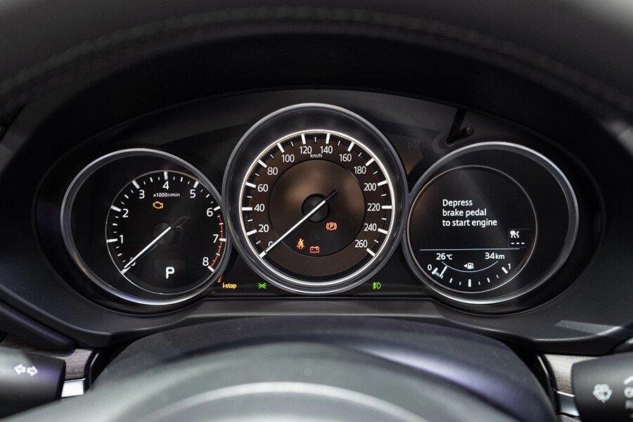 Mazda CX-8 Luxury - Hình 14