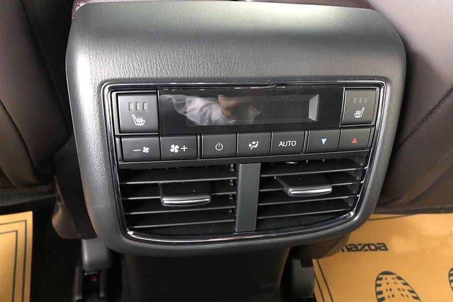 Mazda CX-8 Luxury - Hình 17