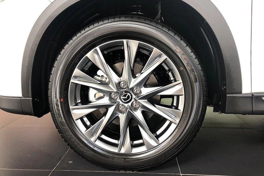 Mazda CX-8 Luxury - Hình 7