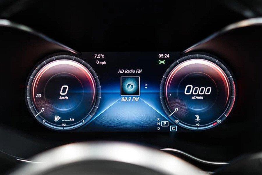 Mercedes-AMG C300 2019 - Hình 11