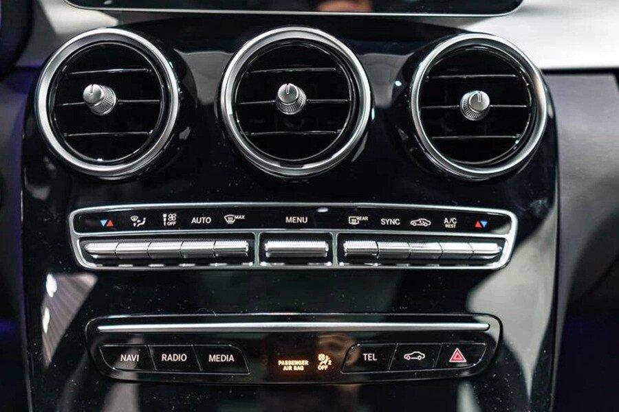 Mercedes-AMG C300 2019 - Hình 12