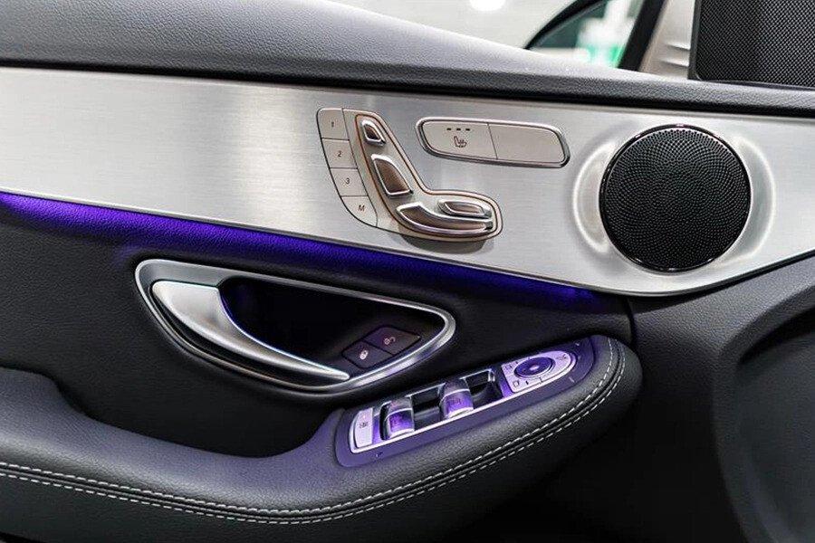 Mercedes-AMG C300 2019 - Hình 13