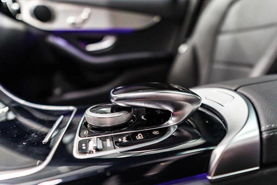 Mercedes-AMG C300 2019 - Hình 17