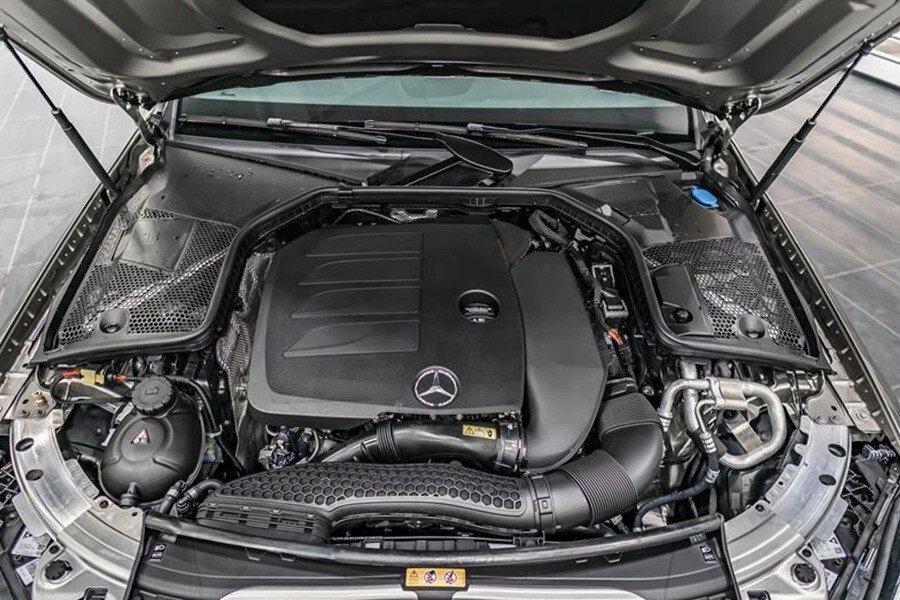 Mercedes-AMG C300 2019 - Hình 18