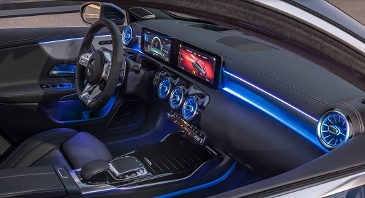 Mercedes-Benz A200 - Hình 20