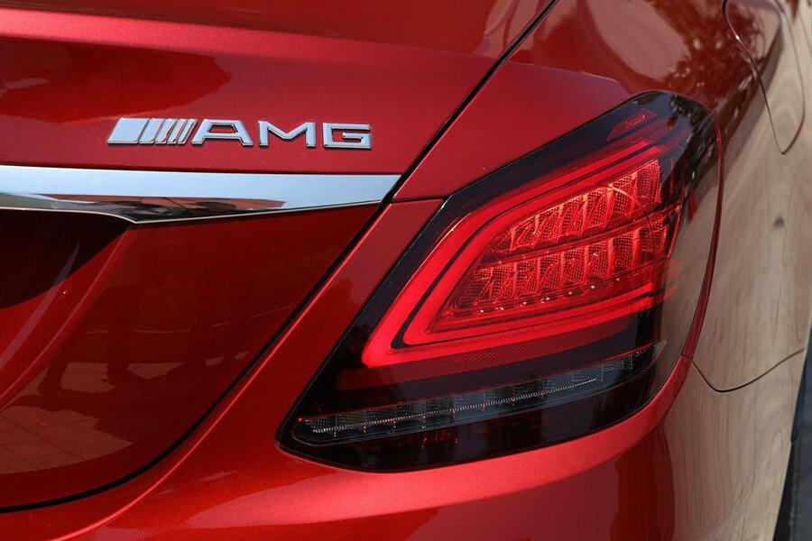 Mercedes-Benz C180 AMG - Hình 7
