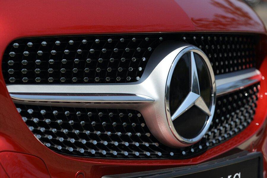 Mercedes-Benz C180 AMG - Hình 5