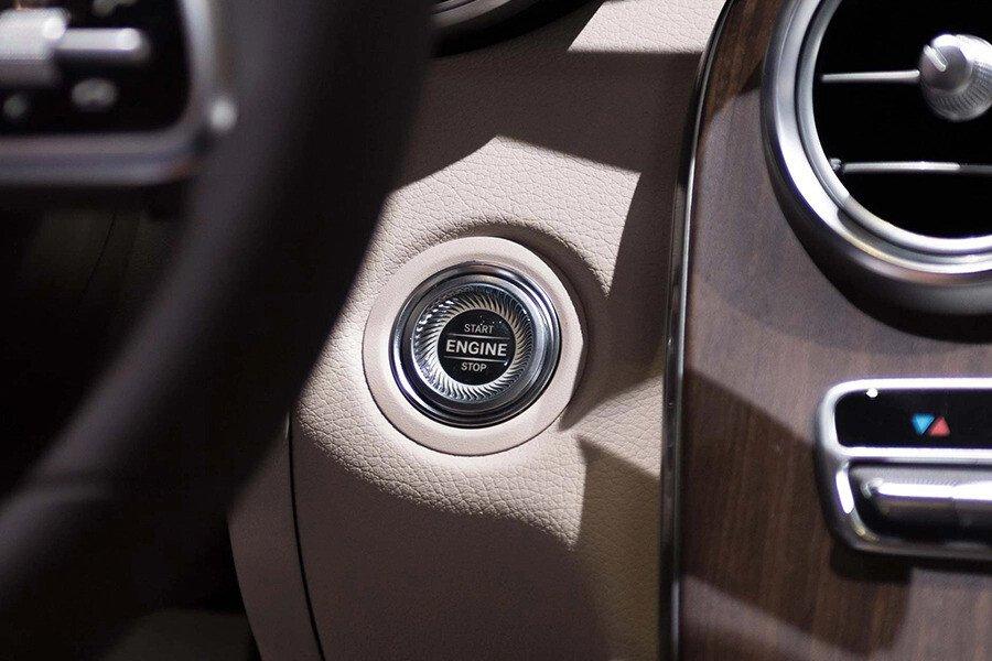 Mercedes-Benz C200 4Matic 2019 - Hình 17