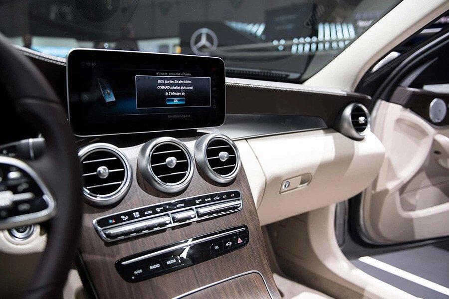 Mercedes-Benz C200 Exclusive 2019 - Hình 14