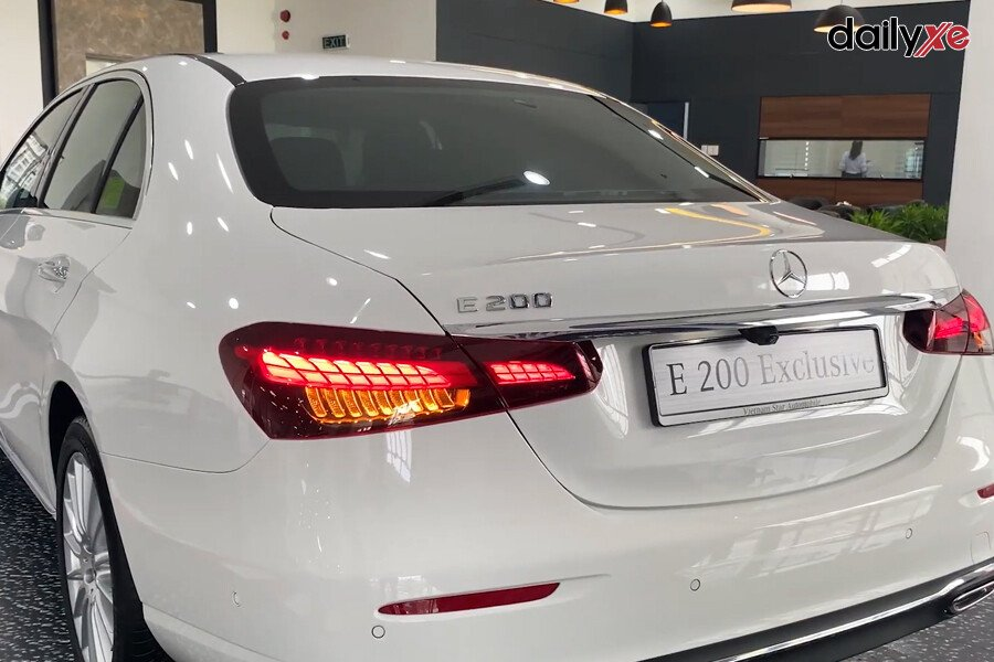Mercedes-Benz E200 Exclusive 2021 - Hình 19