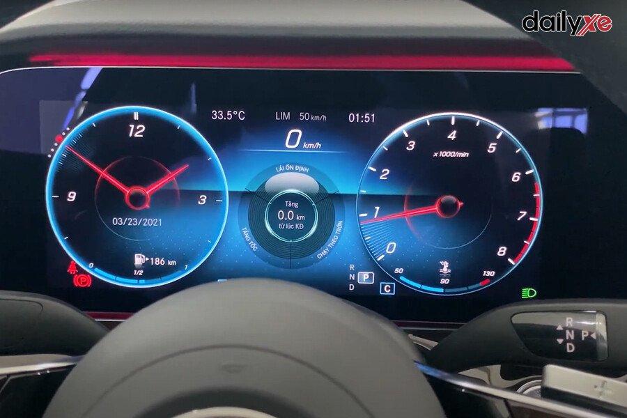 Mercedes-Benz E200 Exclusive 2021 - Hình 27