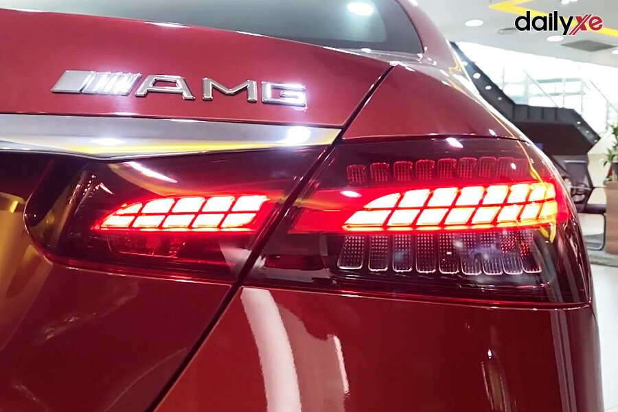 Mercedes Benz E300 AMG - Hình 13