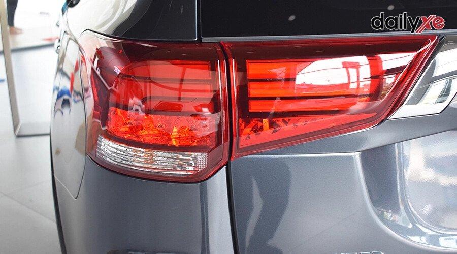 Mitsubishi Outlander 2.0 CVT - Hình 9