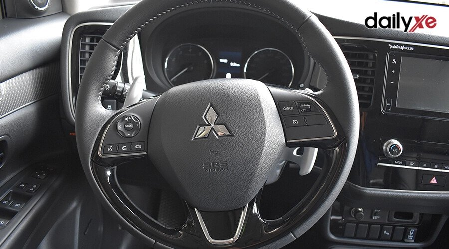 Mitsubishi Outlander 2.0 CVT - Hình 16