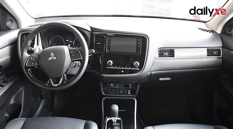 Mitsubishi Outlander 2.0 CVT - Hình 17